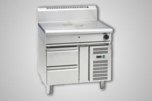 Waldorf gas target top refrigerated base model - Model RN8100G-RB
