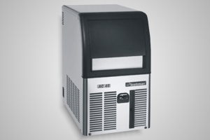 Scotsman ice machine (22kg production) - Model ECM 46-PWD-A